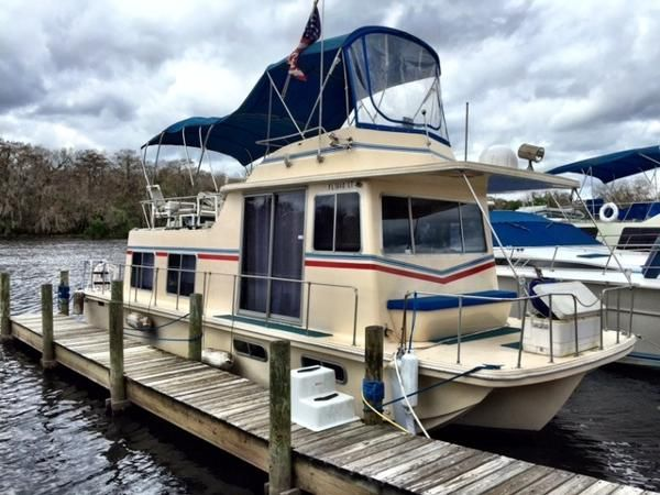 houseboat new and used boats for sale in florida. Black Bedroom Furniture Sets. Home Design Ideas