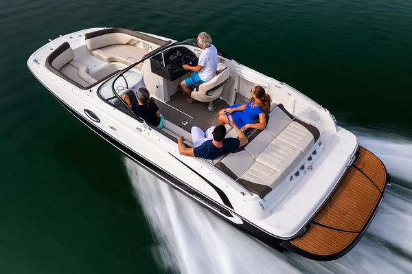 2019 Bayliner 215 Deck Boat Manufacturer Provided Image