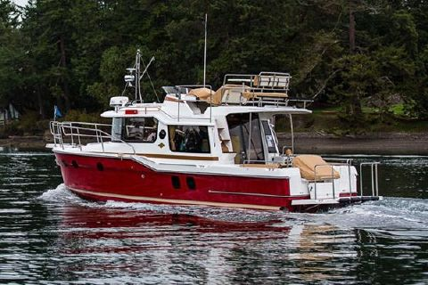 2018 Ranger Tugs R-29 CB Manufacturer Provided Image