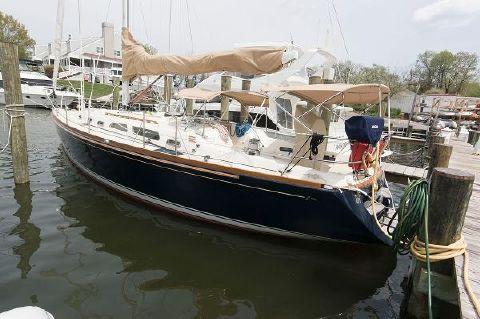 2007 Sabre 426 Port Close Up