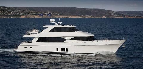 2018 Ocean Alexander 90 Motoryacht Skylounge