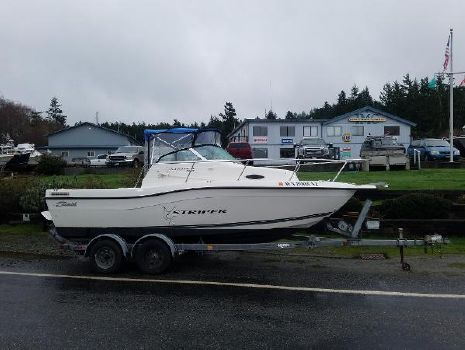 1999 Seaswirl Striper 2100 Walk Around I/O