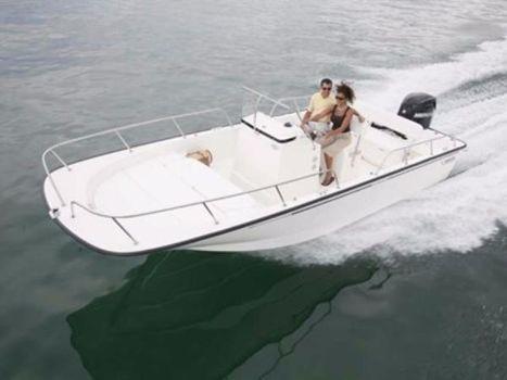 2016 Boston Whaler 210 Montauk