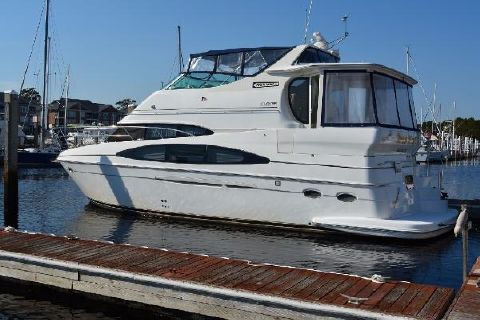 2001 Carver 466 Motor Yacht Profile
