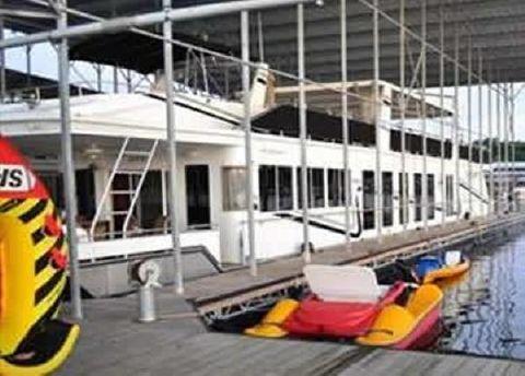 2008 Fantasy Houseboat 19' x 90' Widebody