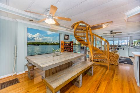 1993 Riverchase Two Story Houseboat