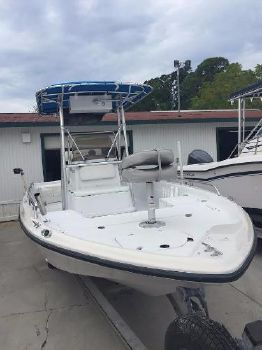 2000 Polar Boats 2300 Center Console