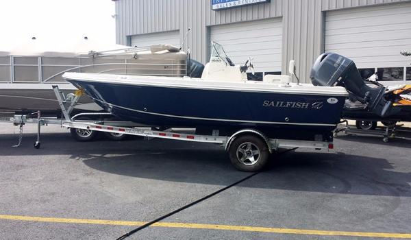 2016 Sailfish 1900 Bay Boat