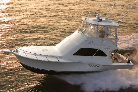2017 Albemarle 41 Convertible Manufacturer Provided Image