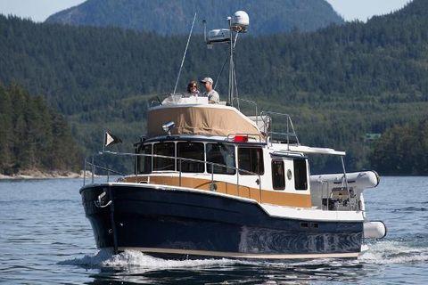 2018 Ranger Tugs R-31 CB Manufacturer Provided Image