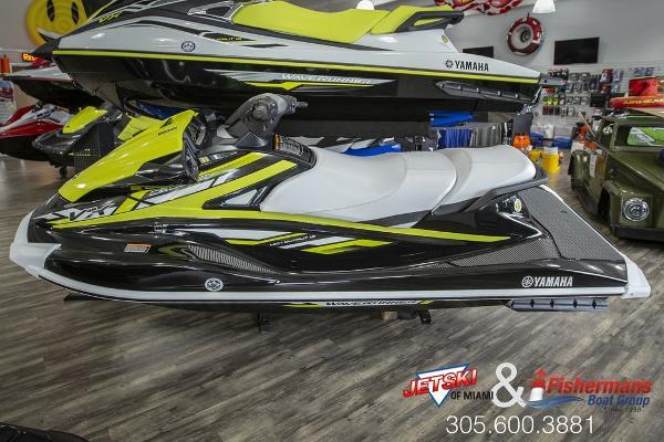 New 2019 Yamaha Waverunner Vx Deluxe Miami Fl 33142 Boattrader Com