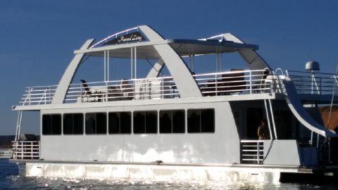2015 Destination Yachts Q Series