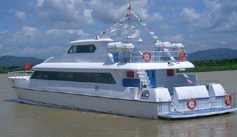 2015 Allmand 2800 Catamaran Passenger