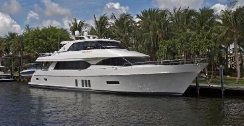2016 Ocean Alexander 90 Motor Yacht