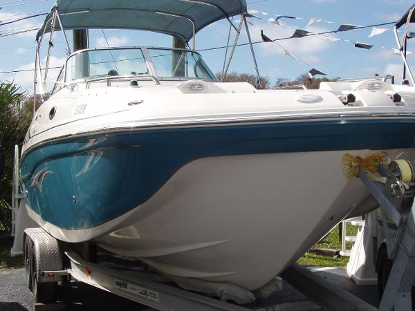 2006 Hurricane SunDeck 260 OB