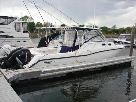2005 Boston Whaler 2005  305 Conquest