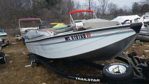 1995 Bass Tracker 20ft Deck Boat
