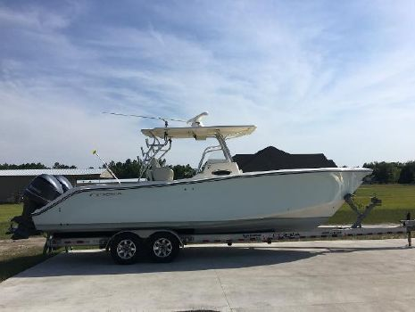 2012 COBIA BOATS 296 Center Console