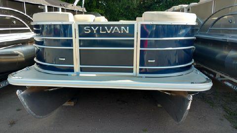 2017 Sylvan Mirage 8520 Cruise