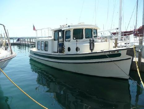 2002 Nordic Tugs 32 Starboard bow