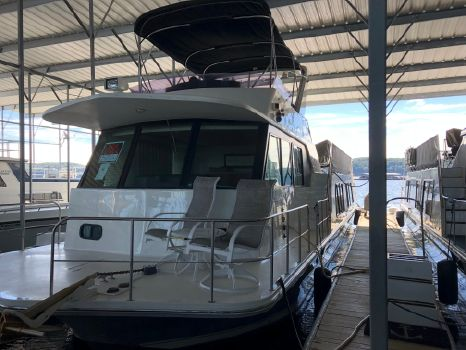 2007 Harbor Master 52 Wide Body