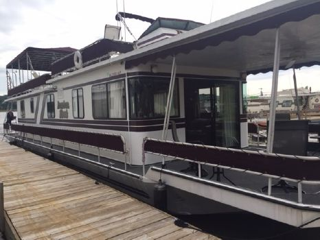 1987 Stardust Cruisers 16X65 Houseboat