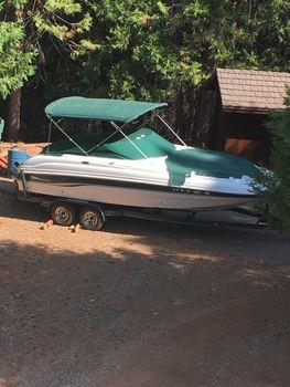 2000 Chaparral 233 Sunesta Deck Boat