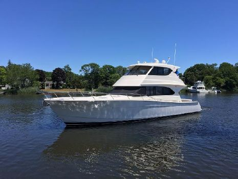 2010 Maritimo M52 Motor Yacht Port Side