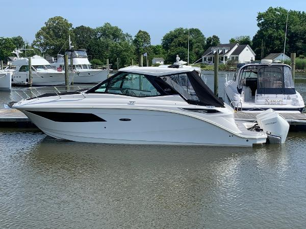 2021 Sea Ray 320 Sundancer Coupe