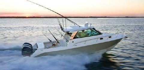 2016 Everglades Boats 350 EX