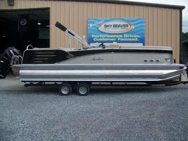 2016 Avalon Windjammer Elite - 25 ft. Length Class