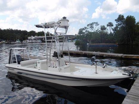 2007 Ranger 2400 bay
