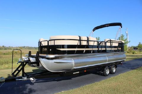 2016 Bentley 243 TRITOON 150hp w/Teak flooring