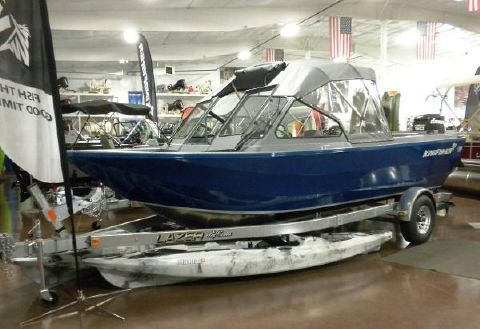 2016 Kingfisher 2025 Discovery 150hp ETec &9.8
