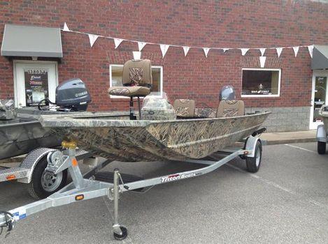 2016 Triton 1760SC in Shadowgrass Camo Mossy Oak Camo Spider-rig Fishing Seat