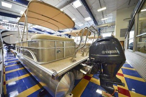 2016 Sunchaser 8522 Cruise