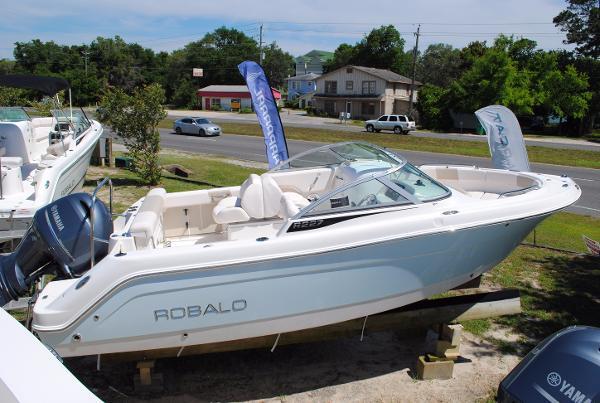 2017 Robalo 227 Dual Console 2017-robalo-227-dual-console-bowrider-for-sale-ski-boat
