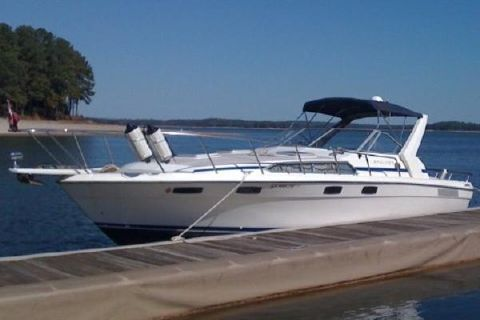 1985 BAYLINER 3250 Conquest