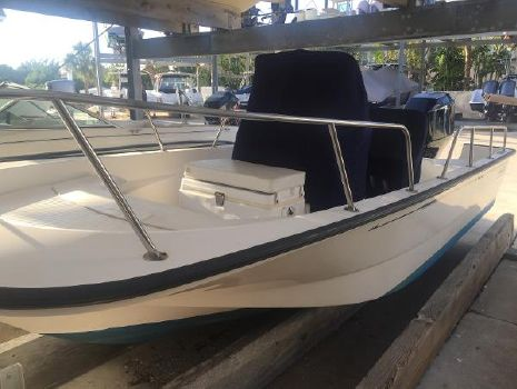 2005 BOSTON WHALER 17 Montauk