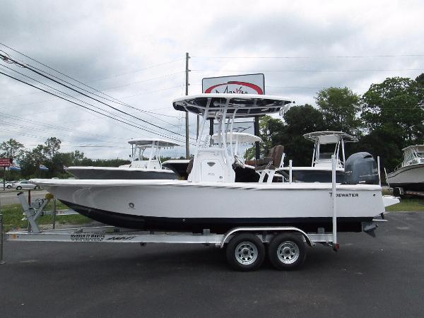 2017 Tidewater Boats 2200 Carolina Bay