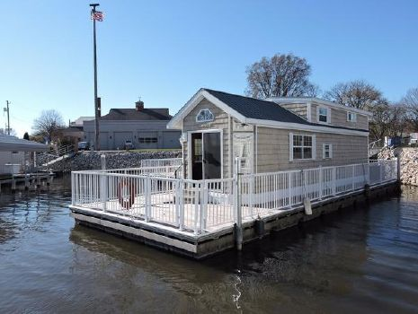 2007 Harbor Cottage Floating Home