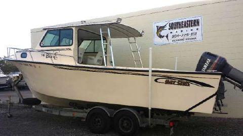 2003 May-craft 2550 Pilothouse