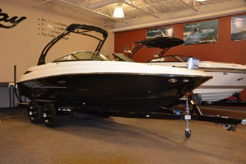 2015 Sea Ray 240 Sundeck