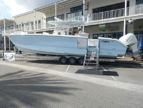 2019 INVINCIBLE 40 Catamaran
