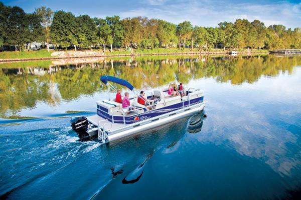 2013 Sun Tracker Party Barge 24 DLX