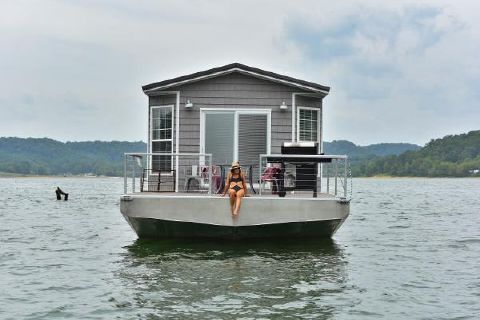2017 Harbor Cottage Houseboat