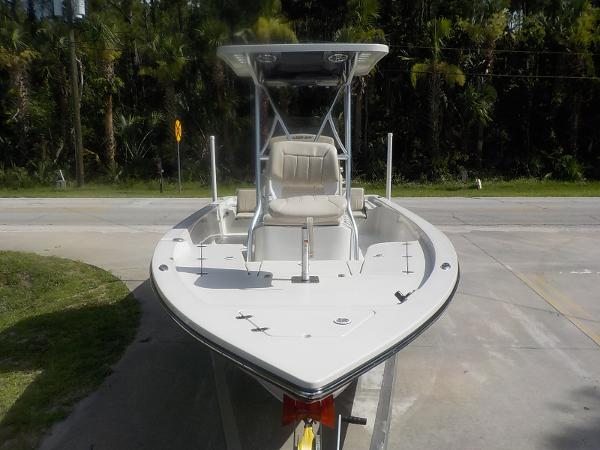 2016 Blazer Boats 2220 Fisherman