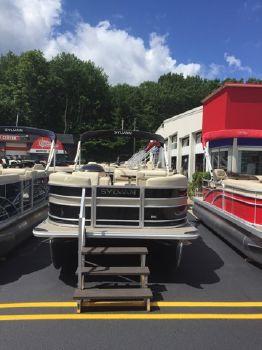 2017 Sylvan 8520 Cruise LE