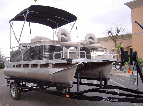 2016 Qwest Edge 7516 Sport Cruise