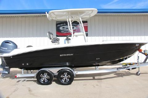2018 STINGRAY 236CC Deck Boat w/T-Top